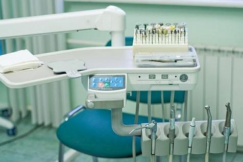 Лечить зубы ребенку по полису